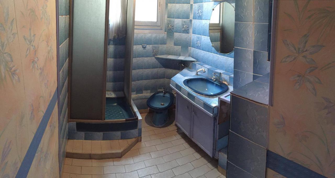 21. Salle d\'eau vintage en salle d\'eau moderne