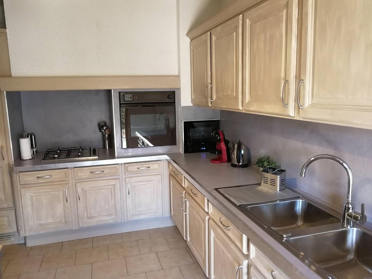 27 b ton cir sur plan de travail cuisine. Black Bedroom Furniture Sets. Home Design Ideas